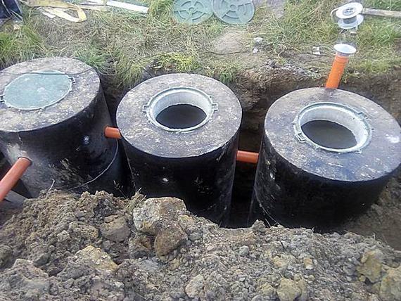 Фото септика, выполненного из бетонных колец.